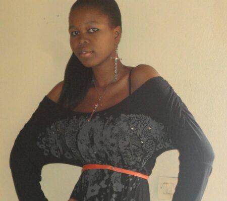 Maelis, 25 cherche uniquement des rencontres